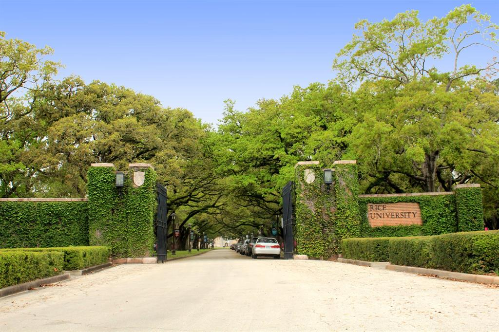 The Oaks on Caroline - Rice University